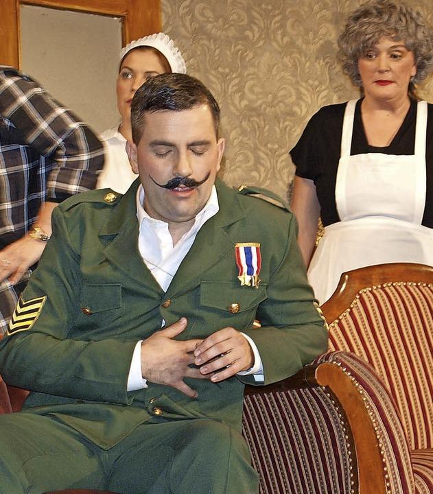 Ausnahmsweise ohne seine Pistole: Major Pirbright, von Kevin Hils gespielt  | Foto: Paul Schleer
