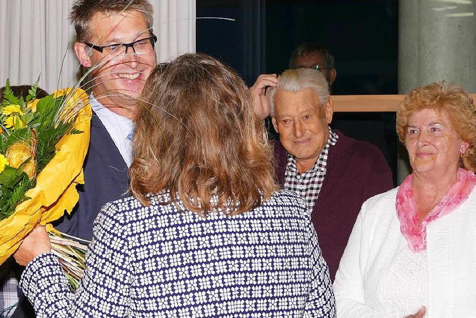Viele Glückwünsche durfte der neu gewählte Bürgermeister von Stühlingen, Joachim Burger, entgegen nehmen. (Foto: Juliane Kühnemund)