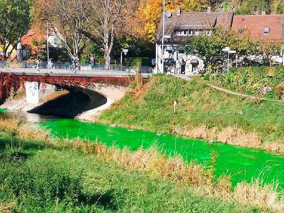 Wasser Grün Färben