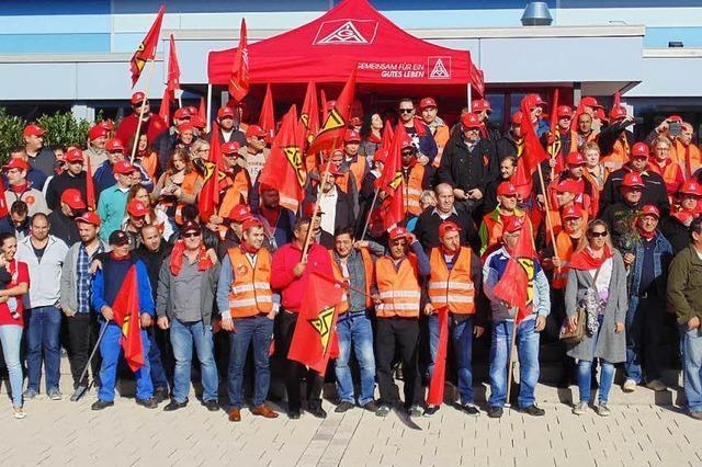 Rund 300 GST-Mitarbeiter demonstrieren und streiken in Murg