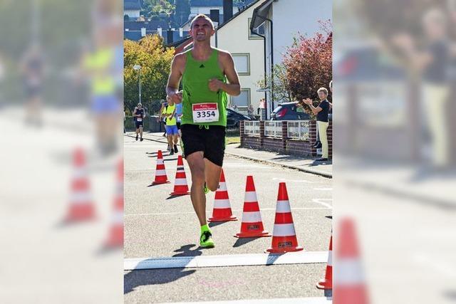 Benjamin Hill und Kristin Sander gewinnen 10-Kilometer-Hauptlauf