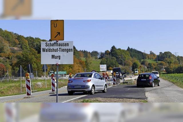 Neue Verkehrsführung an der Rothaus-Kreuzung