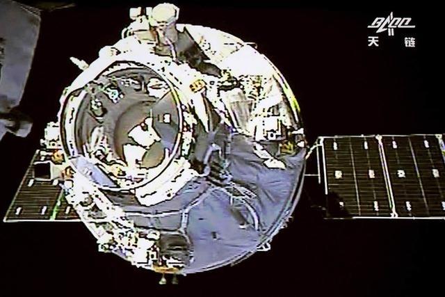 Trümmer von Raumlabor mit Kurs auf Erde