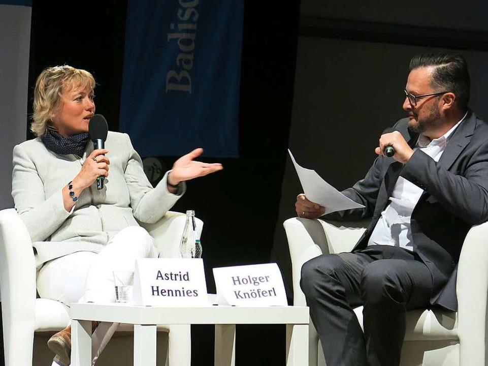 Astrid Hennies mit Holger Knöferl  | Foto: Claudia Müller