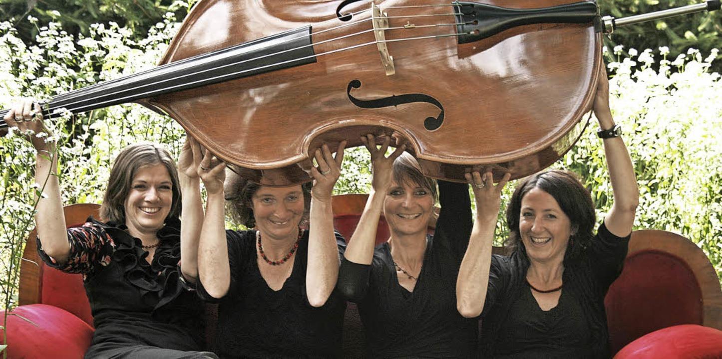Die vier Musikerinnen des Ensembles Ol...ch auf ihr Konzert mit neuem Programm.  | Foto: Veranstalter