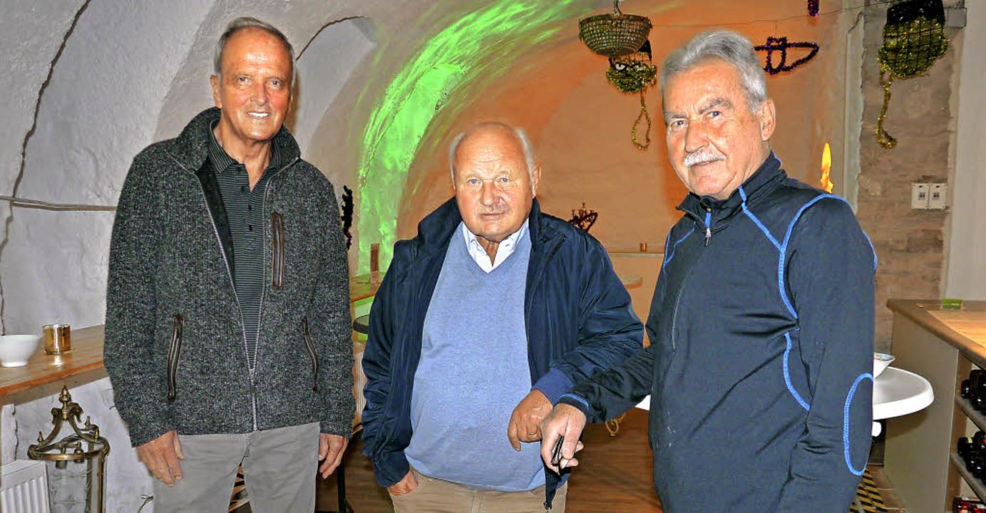 Auf die Stiftskellerparty zugunsten de... Hausherr Walter Gerteis (von links).   | Foto: Michael Krug