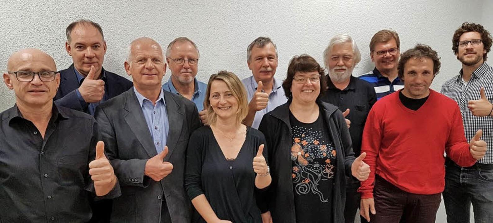 Der neue Vorstand um den Vorsitzenden Guntram Stein (Zweiter von links)    Foto: Jan Wieczorek/DGB