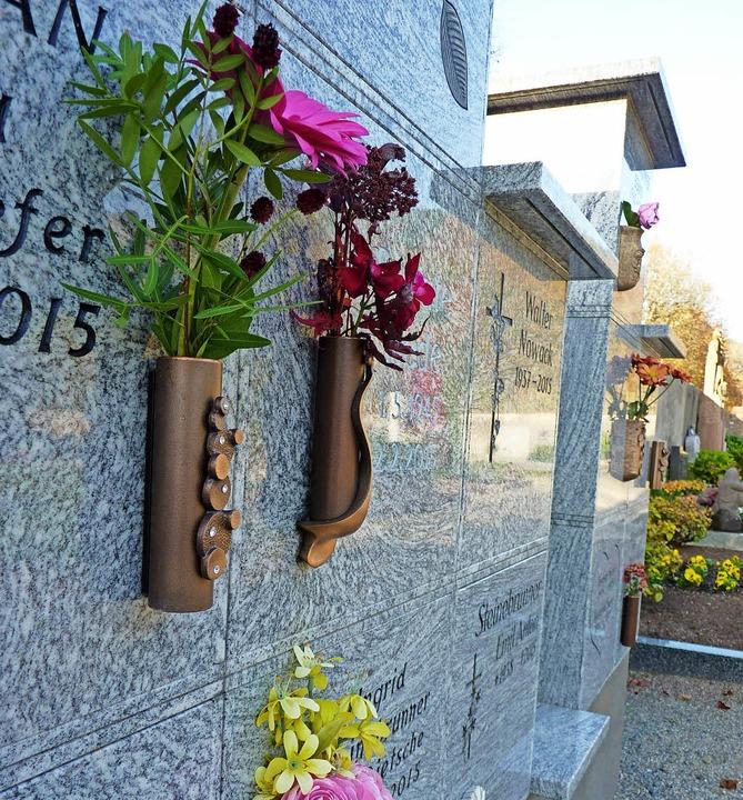 Die Urnenwand bietet Platz für die Asche Verstorbener.  | Foto: Dirk Sattelberger