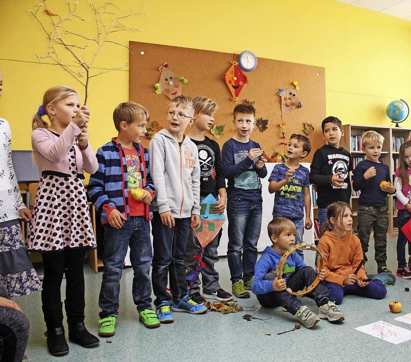 """Den """"Hasler Grundschul-Rock&#821...220; gab es von den Schülern zu hören.    Foto: Anja Bertsch"""