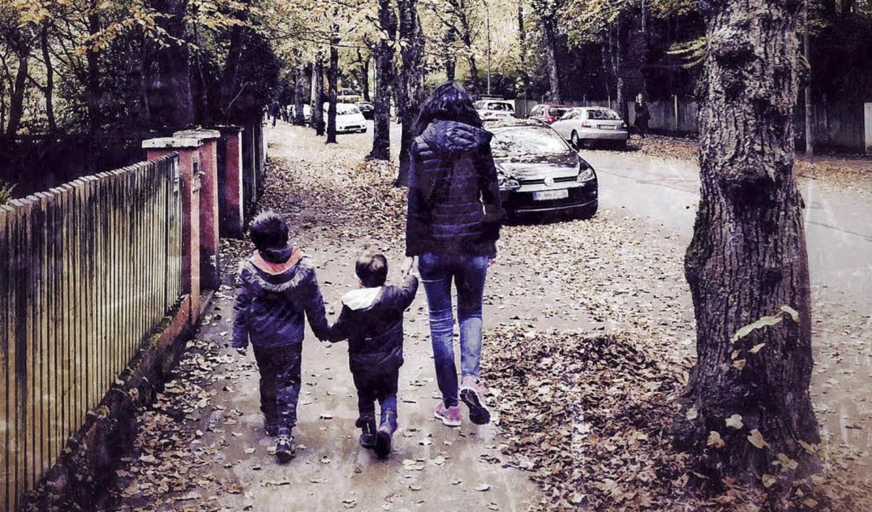 Chryssoula K. lebt mit Mann und den beiden  Kindern in München.    Foto: Gerd Höhler