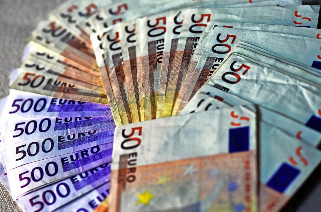 Viel Geld muss der DFB dem Finanzamt zahlen.    | Foto: dpa