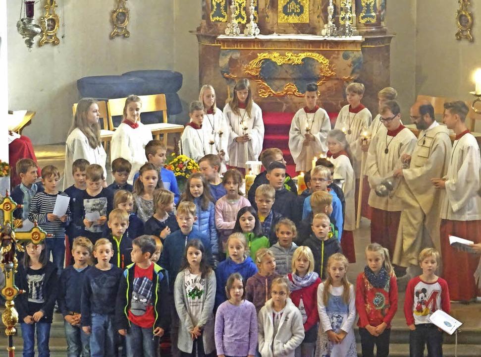 Startgottesdienst: Für 42 Kinder der S...die Kommunionvorbereitungen begonnen.     Foto: Knöpfel-Lüssem