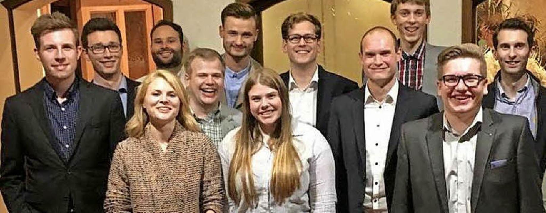 Der neue Kreisvorstand um Felix Ockenfuß (5. v. r.).     Foto: Junge Union