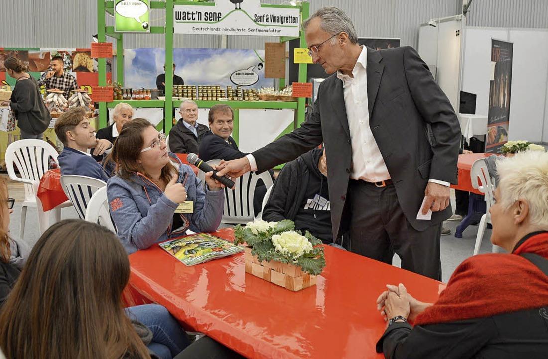 Kick-Off-Veranstaltung am Sonntag mit ...ainer Hans-Jürgen Thoma im Café-Garten    Foto: Horatio Gollin