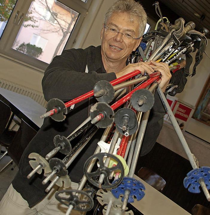 Skiclub-Chef Siggi Weissenberger im Einsatz.     Foto: Petra Wunderle