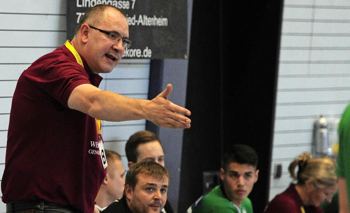 Hofweiers Trainer Michael Bohn war zufrieden mit der kämpferischen Leistung.    Foto: Bettina Schaller