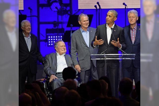 Barack Obama und der Präsidentenchor singen für Opfer