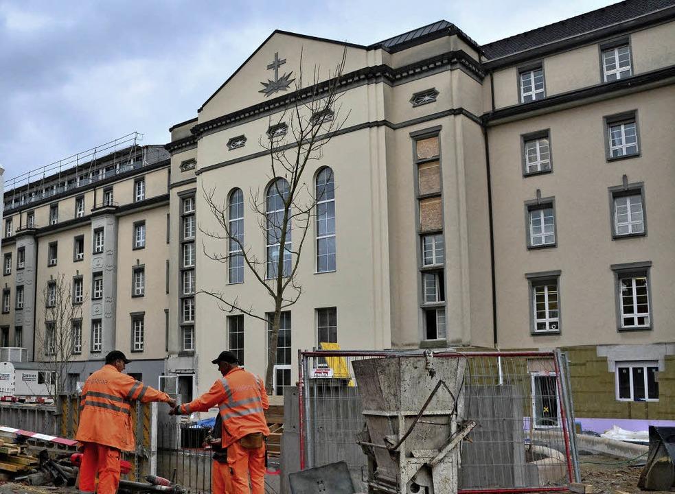 Das Basler Claraspital wird für 225 Millionen Euro modernisiert.  | Foto: dpa/Mahro