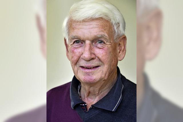Karl-Heinz Winkler arbeitet als Helfer beim