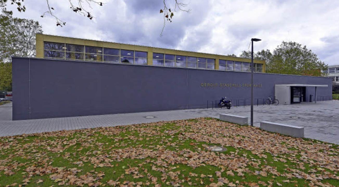 Der Neubau steht an der Südwestecke des Berufsschulgeländes.  | Foto: Michael Bamberger