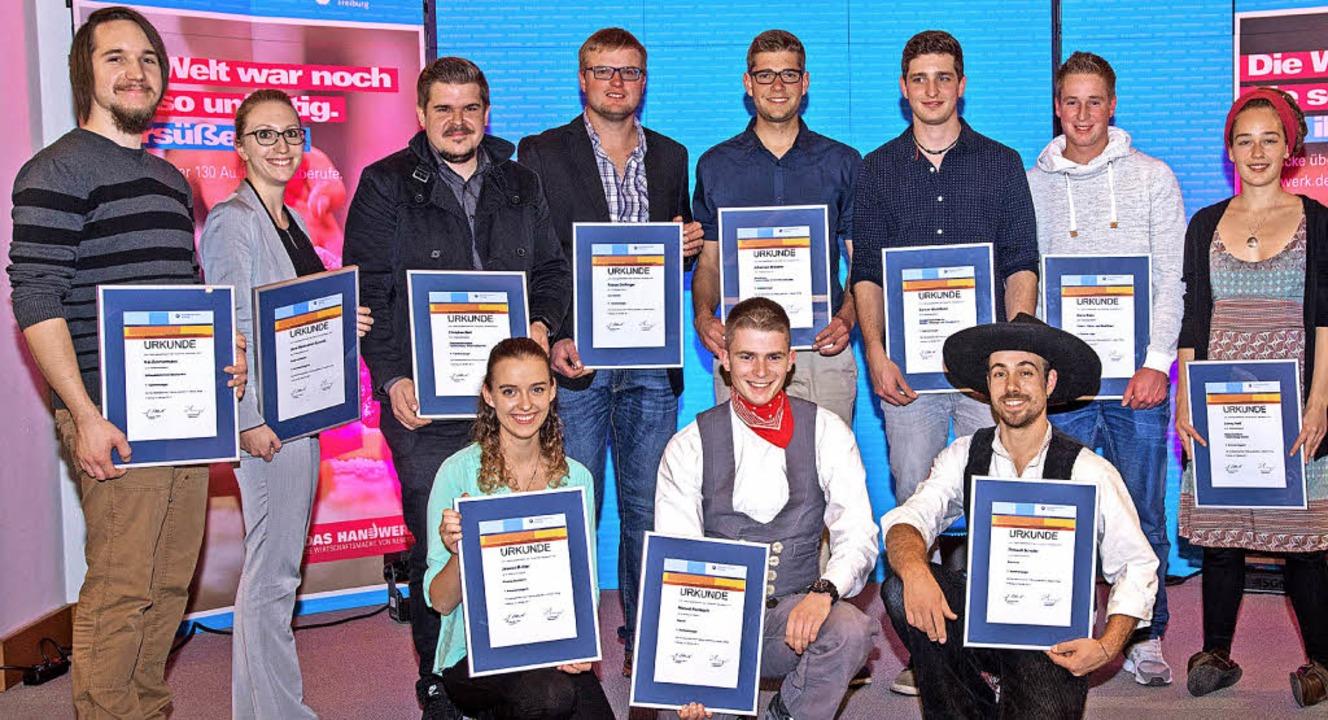 Die besten Junghandwerker aus dem Landkreis mit ihren Auszeichnungen   | Foto: Handwerkskammer Freiburg