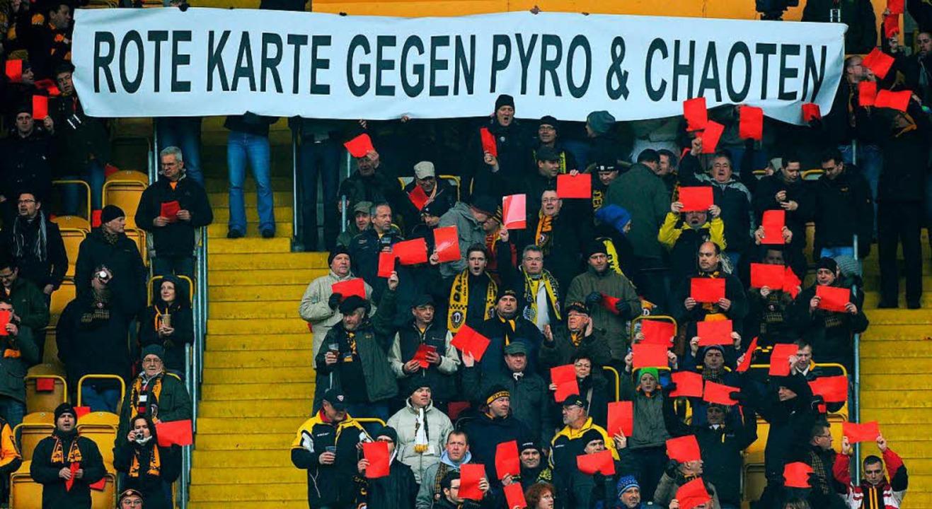 … was bei anderen Dresdner Fans nicht gut ankommt.  | Foto: dpa