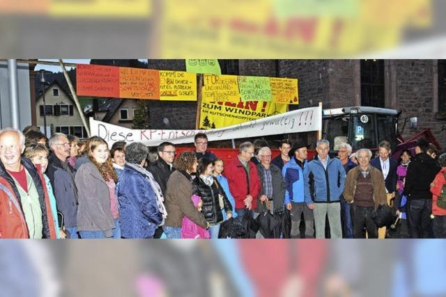 Bürger gegen Windkraftanlagen überm Lierbachtal