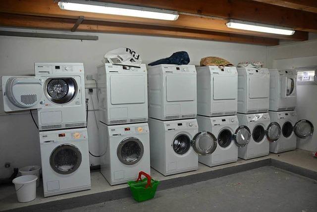 Frauenkampf im Waschkeller