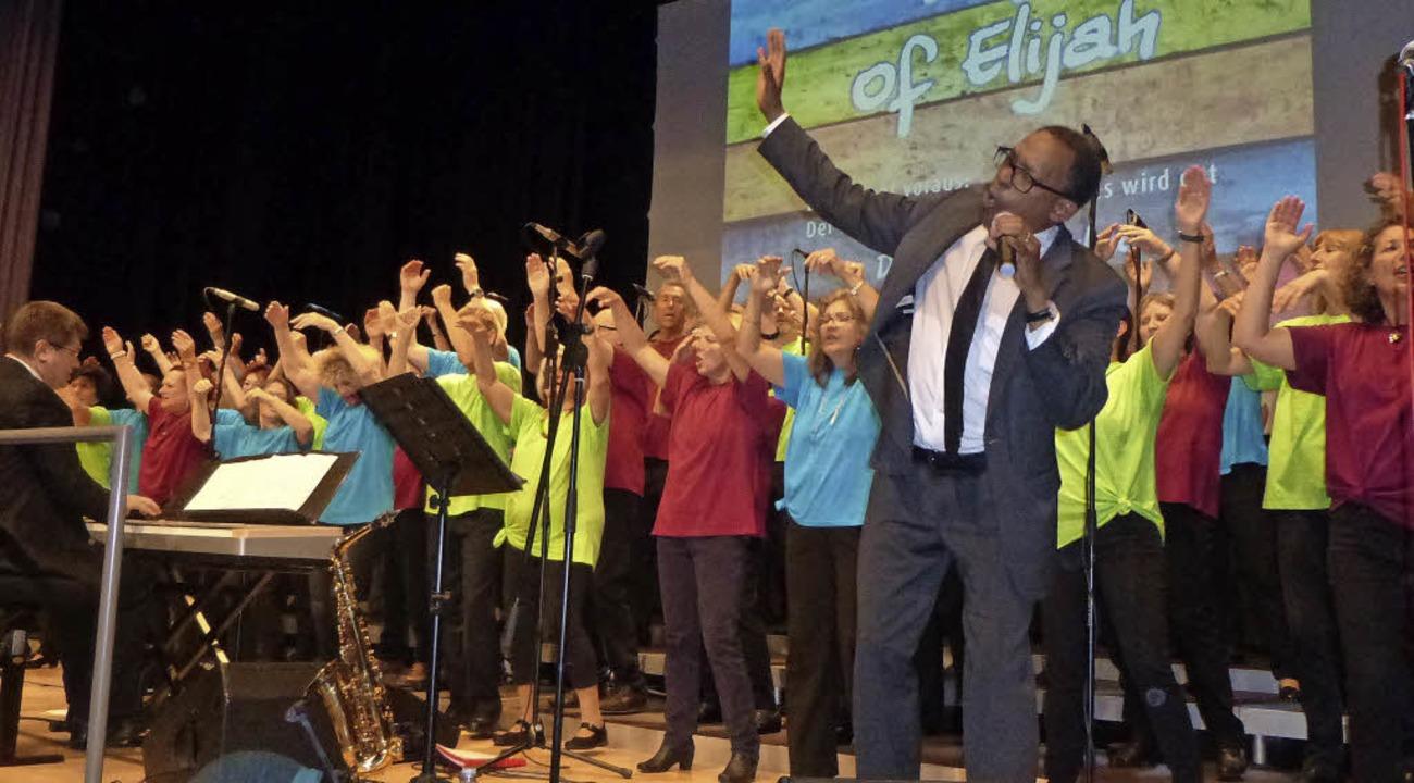 Malcolm Green singt als Solist mit Chorioso.   | Foto: Anne Freyer