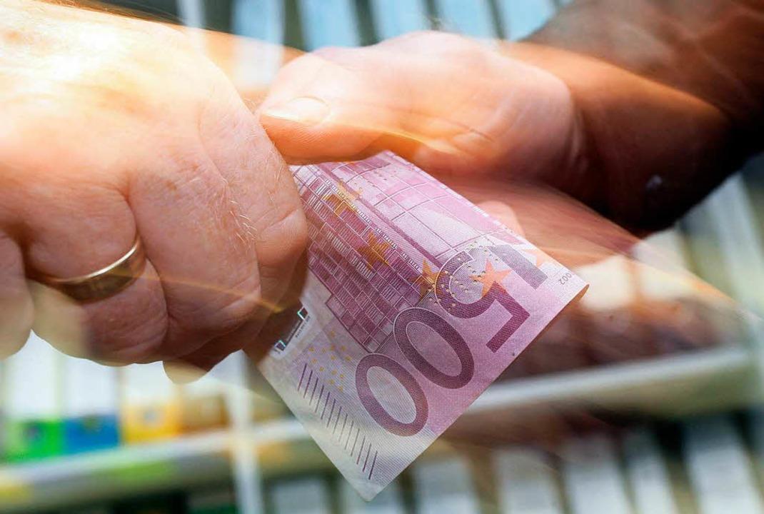 Es geht um insgesamt acht Millionen Eu...r um Provisionszahlungen? (Symbolfoto)  | Foto: dpa