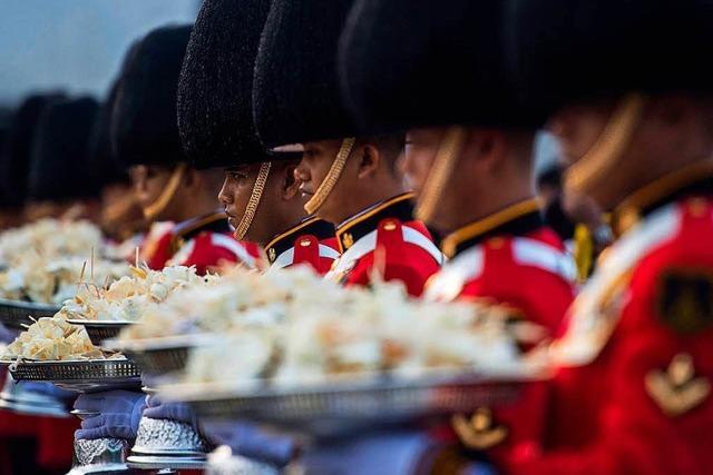 Thailands König Bhumibol wird beerdigt