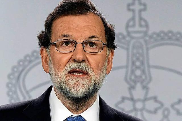 Rajoy setzt gesamte katalanische Regierung ab – angespannte Lage