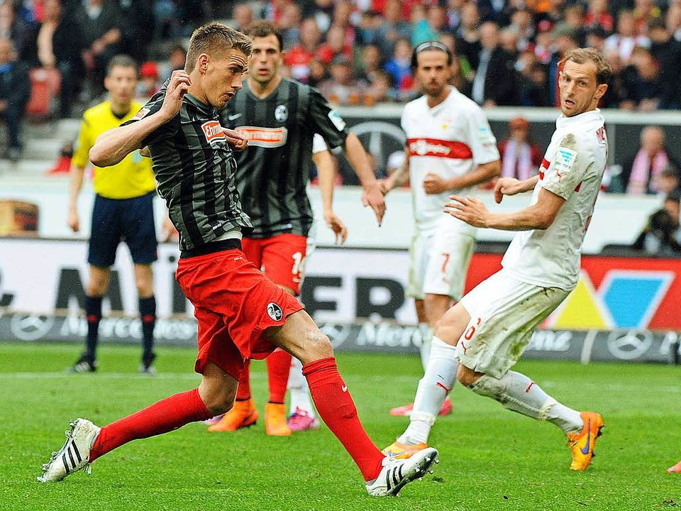 Nils Petersen (links) erzielte beim bi...t (2015) den Treffer zum 2:2-Endstand.  | Foto: heuberger, dpa