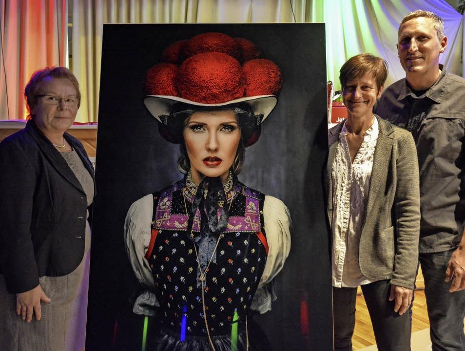 Sabine Gonschior (Zweite von rechts) f...rer über eine gelungene Veranstaltung.    Foto: Benedikt Sommer