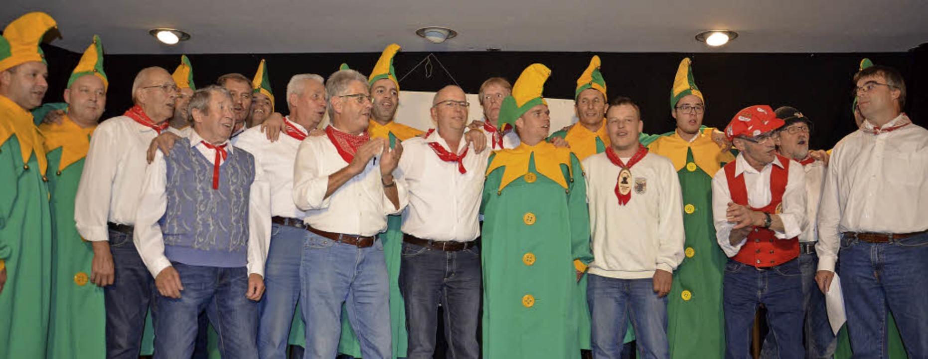 Überraschendes Duett: Zum ersten Mal s...dem Männergesangverein auf der Bühne.     Foto: Bär