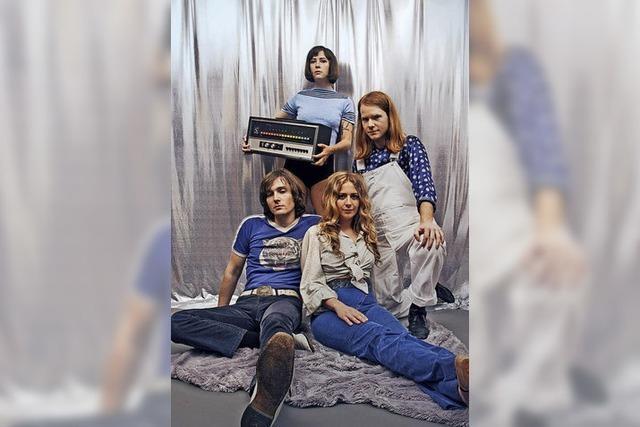 Savoy Motel spielen ihr Debütalbum