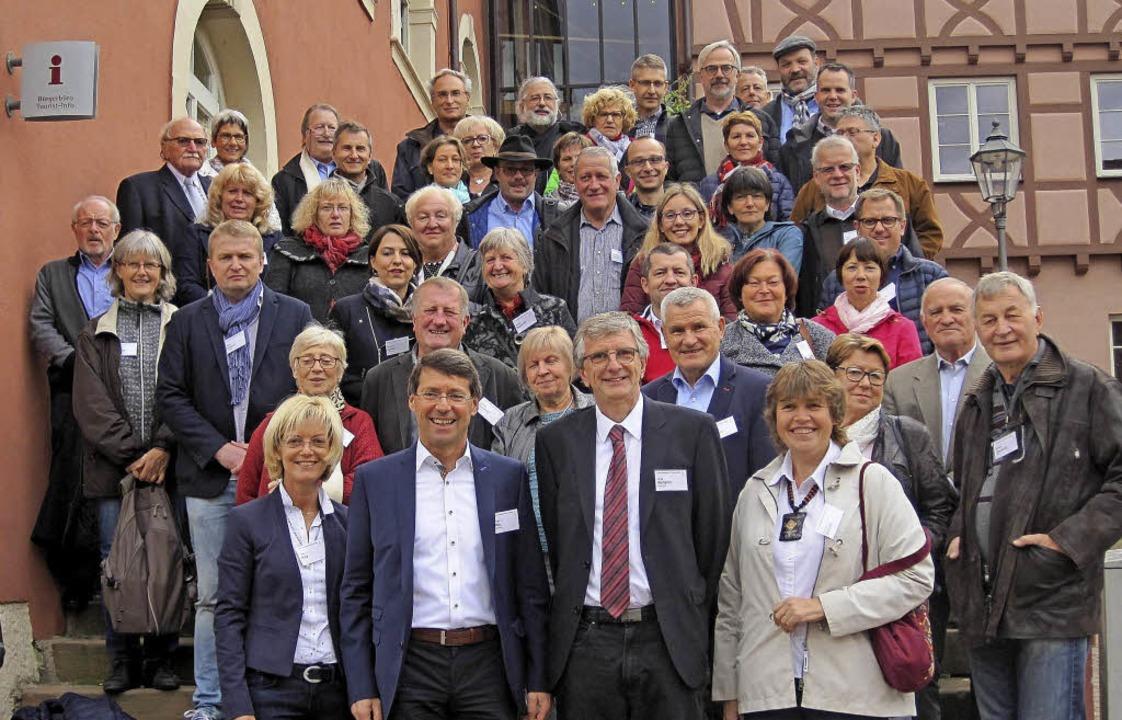 Gemeinderäte und Bürgermeister Ettenhe...er französischen Partnerstadt Benfeld   | Foto: Ulrich Rospleszcz