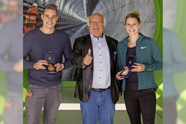 Sponsor gratuliert Sportlern