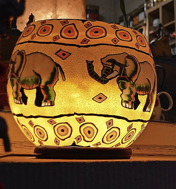 Lampe mit Elefanten    Foto: Horatio Gollin