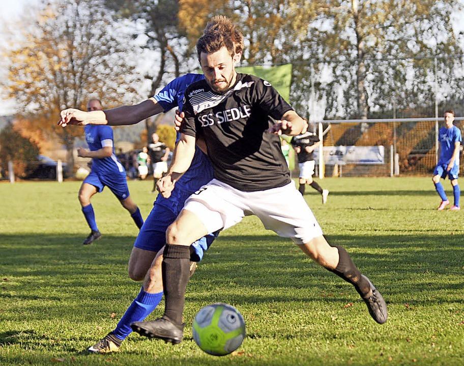 Jan Meier führte den FC Furtwangen zu ...iga-Derby bei der DJK Donaueschingen.     Foto: Dieter Reinhardt (A)