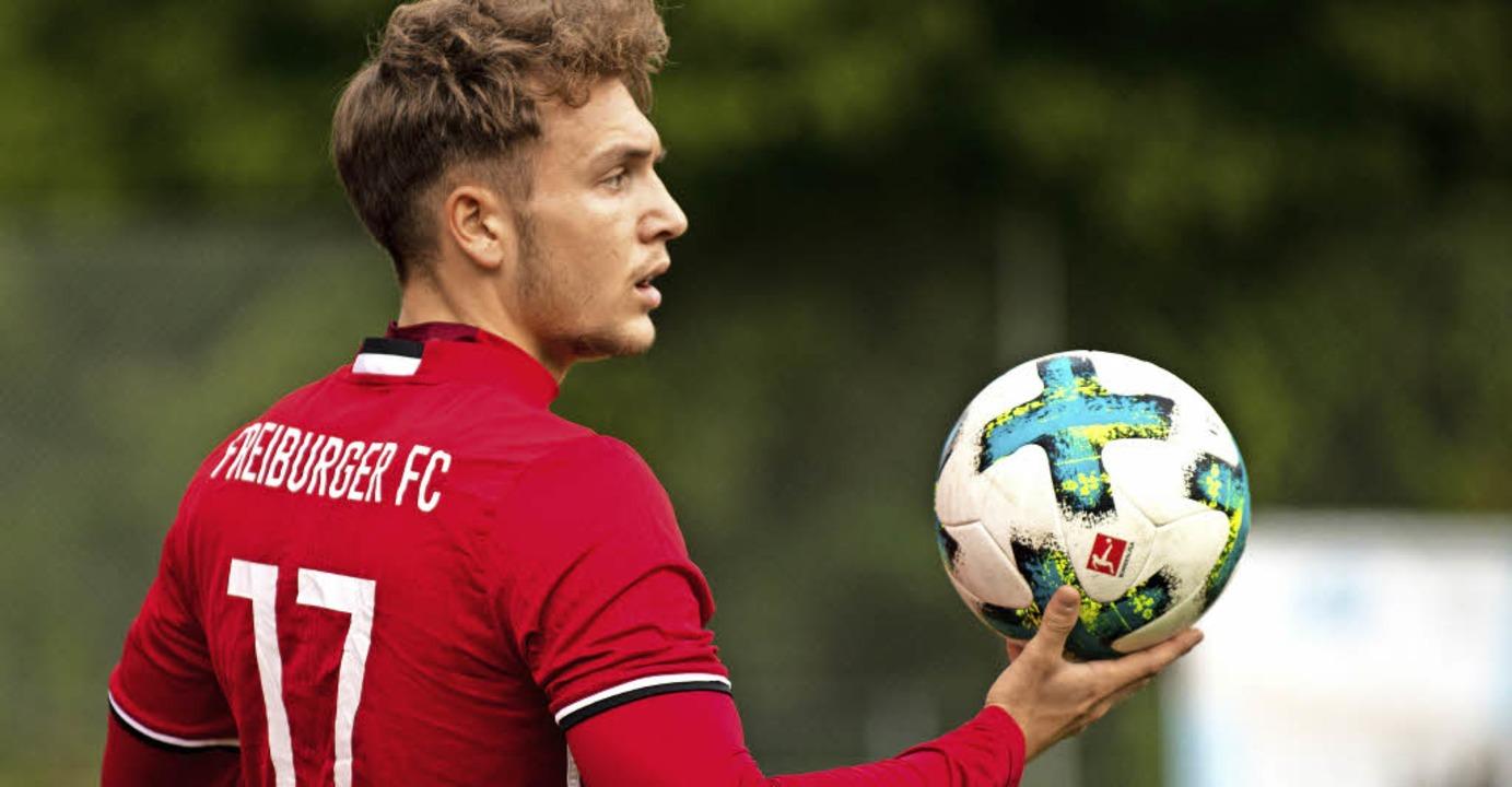 Er weiß mit dem Ball umzugehen: FFC-Sp...zweifacher Torschütze in Kuppenheim.      Foto: Schächtele