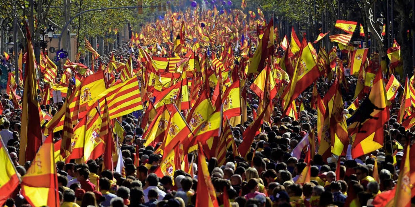Das ist nicht Madrid, das ist Barcelon...r die Einigkeit des Landes am Sonntag.    Foto: AFP