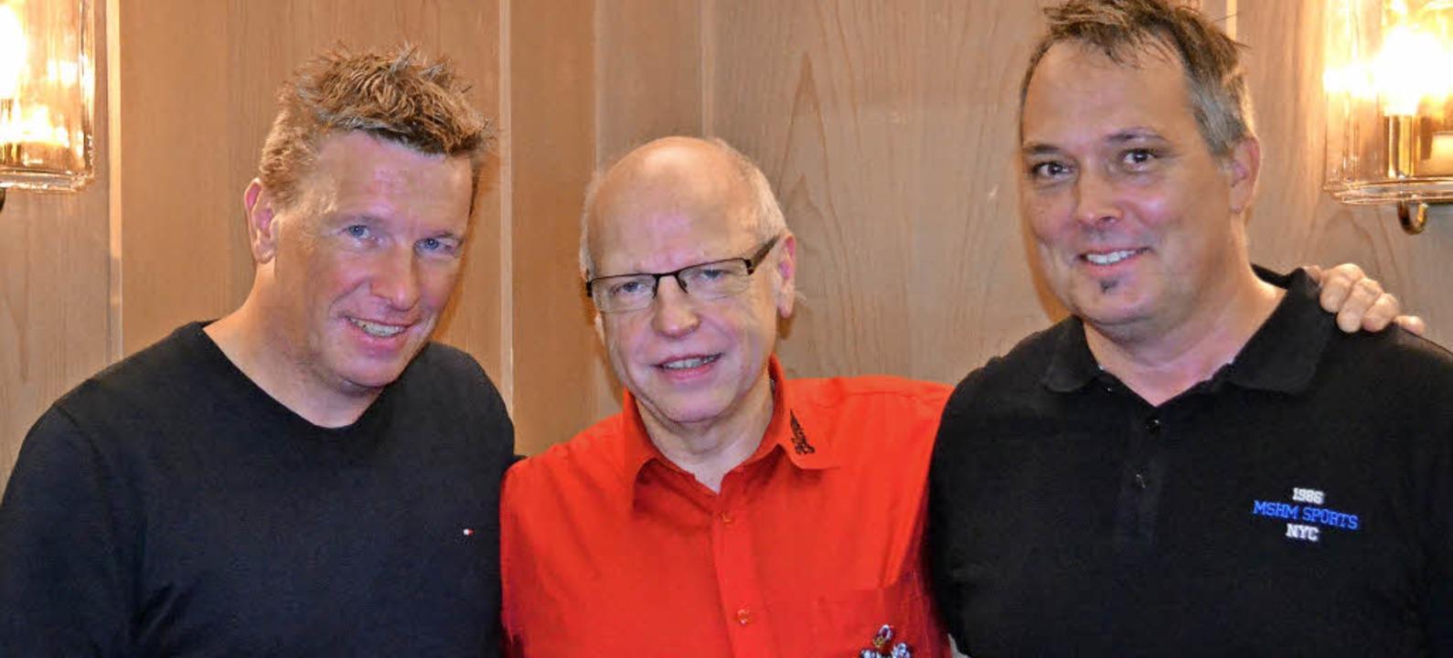 FGZ-Präsident Peter Mauthe (Mitte) mit...kus Ehmke (links) und Daniel Beckert.     Foto: Berger