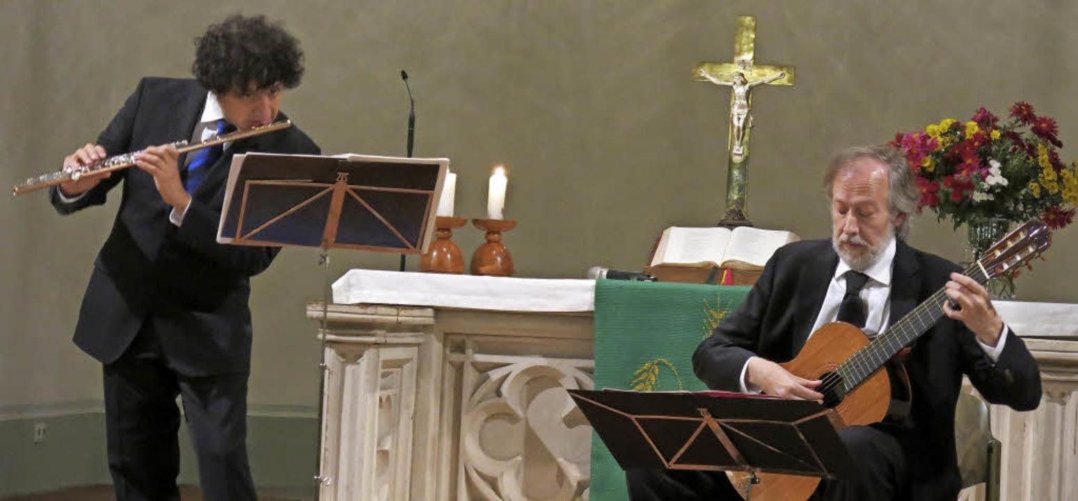 Das Duo Mendieta-Orlandini in der Evangelischen Kirche Köndringen    Foto: Georg Voß