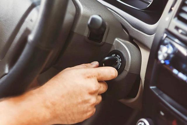 21-Jähriger macht Pinkelpause – danach ist sein Auto weg