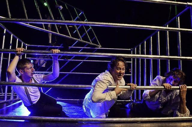 Baal novo zeigt Moby Dick in der Reithalle Offenburg