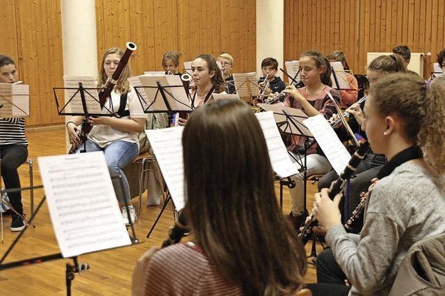 Endinger Jugendkapelle bereitet sich auf Gastspiel beim Bläserfestival der Musikhochschule Freiburg vor