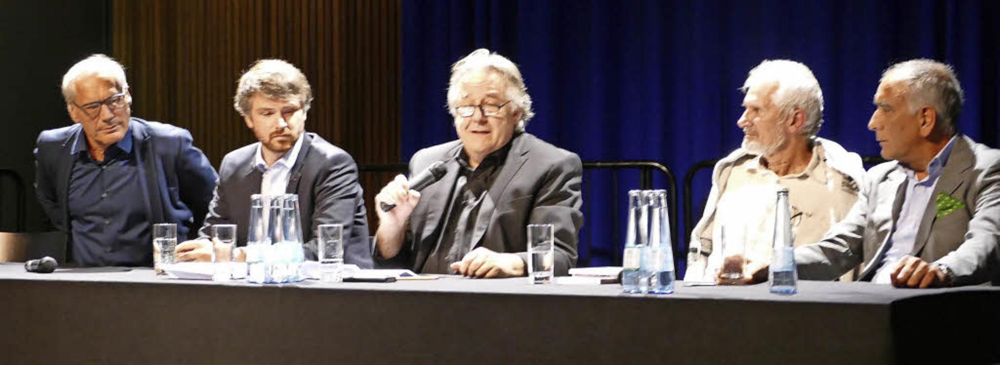 Im Gespräch (von links): Thomas Kessle...ck, Wilfried Stanzer und Ahmad Painda   | Foto: Sabine Ehrentreich