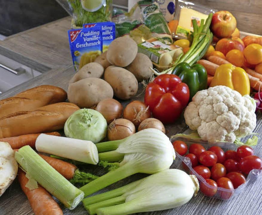 Einfache Lebensmittel bereitet Koch Ja...k zu einem feinen Vier-Gänge-Menü zu.     Foto: Frank Schoch