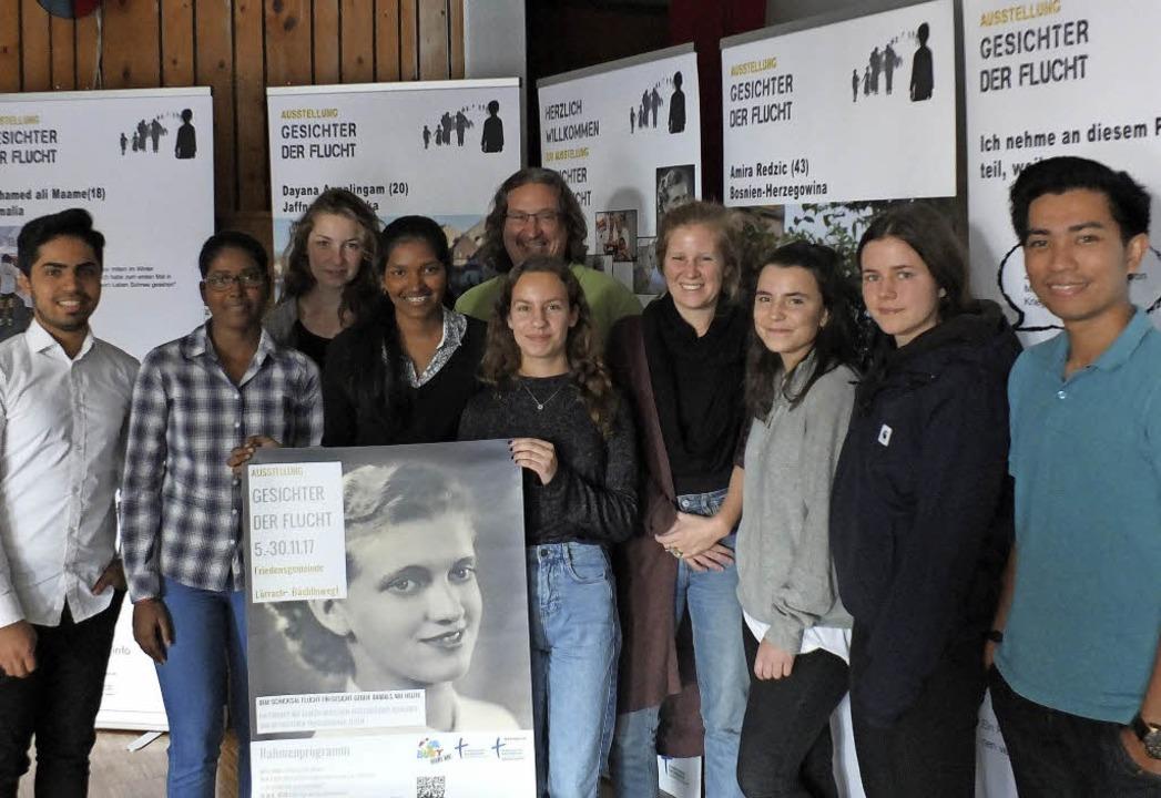 Jörg Mauch (Mitte) und sein Team aus j...ung haben die Ausstellung erarbeitet.   | Foto: David-Wenk